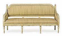 Louis XVI-style sofa in carved and lacquered wood, early decades of the 20th Century 105x201x60 cm