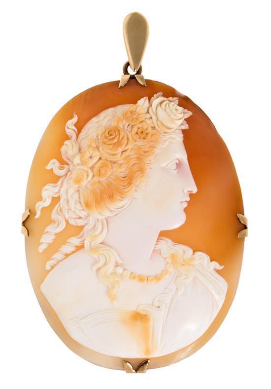 An Italian cameo pendant, 19th Century