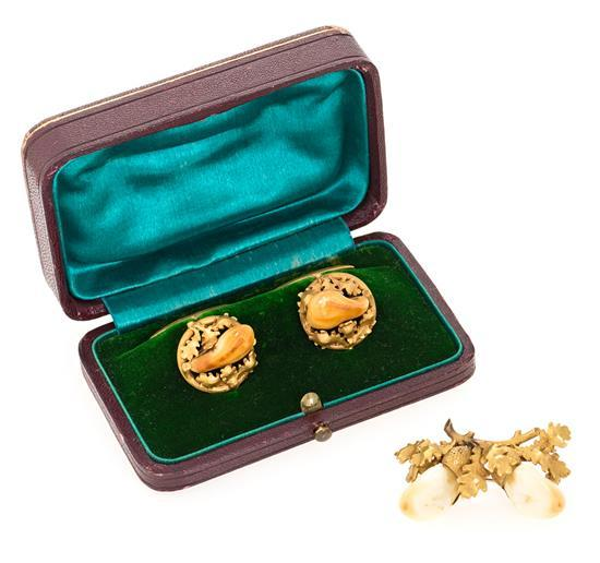 Set of German brooch and cuff links, mid-19th Century