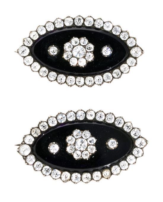 Dos broches lanzadera en plata y strass, del siglo XIX