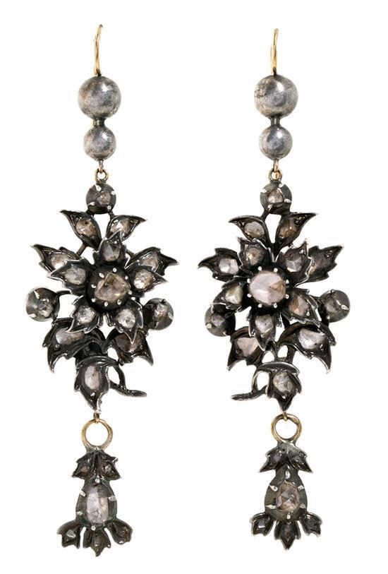 Pendientes florales de diamantes, del siglo XIX