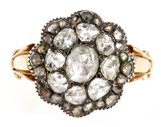 Sortija rosetón de diamantes