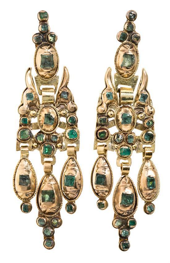 Pendientes largos de esmeraldas, del siglo XIX