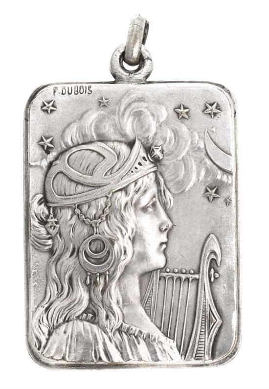 Colgante francés Art Nouveau en plata, de principios del siglo XX
