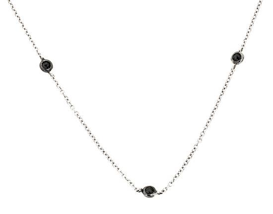 Gargantilla de diamantes negros