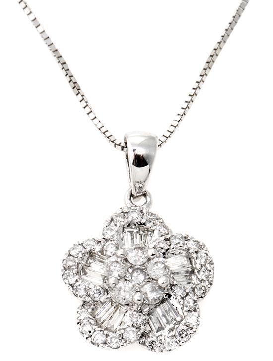 Colgante floral de diamantes