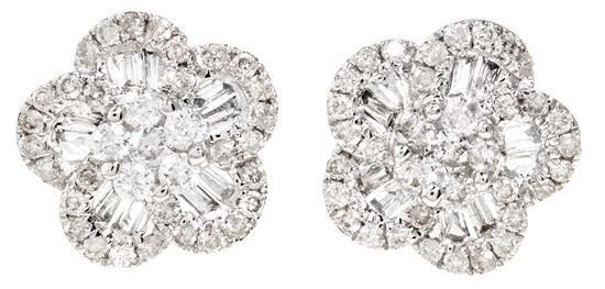 Pendientes florales de diamantes