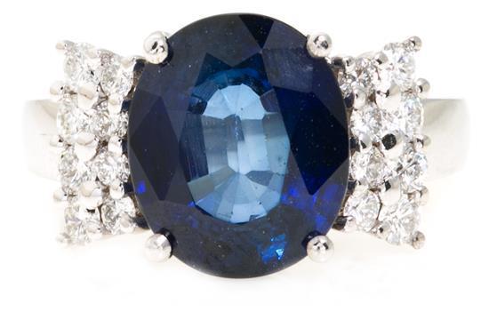 Sortija de zafiro y diamantes