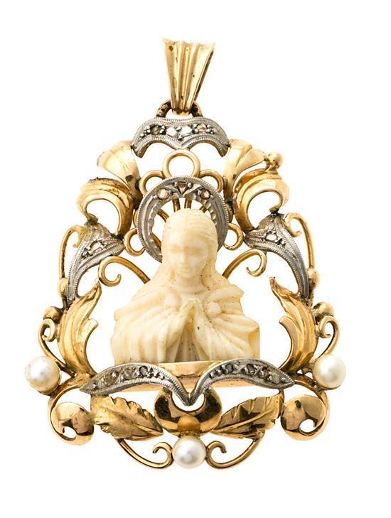 Medalla devocional en oro, de mediados del siglo XX