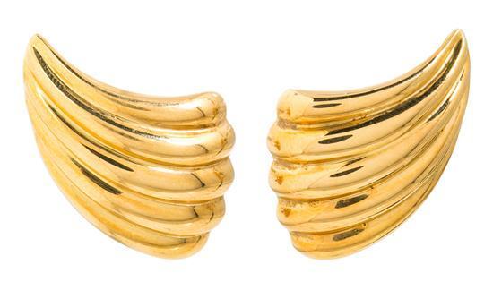 Pendientes gallonados en oro