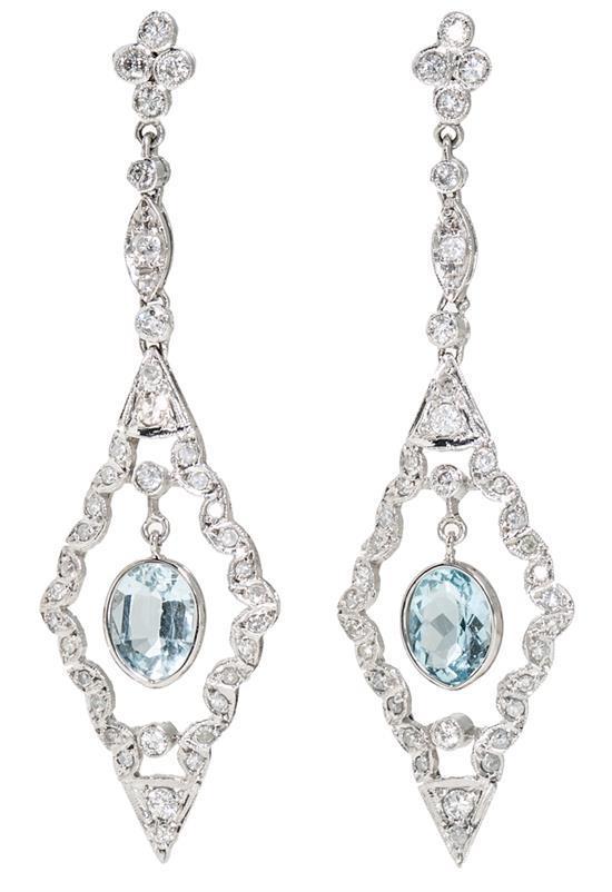 Pendientes largos de aguamarinas y diamantes de estilo Art Déco