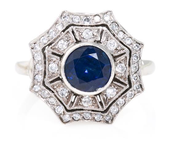 Conjunto de pendientes y sortija de zafiros y diamantes de estilo Art Déco