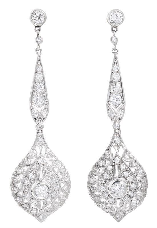 Pendientes largos de diamantes