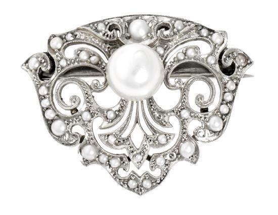 Broche probablemente Belle Époque de perlas, hacia 1910