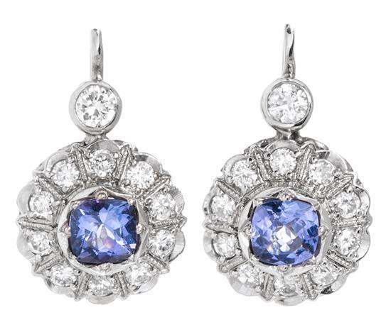 Pendientes colgantes de tanzanitas y diamantes
