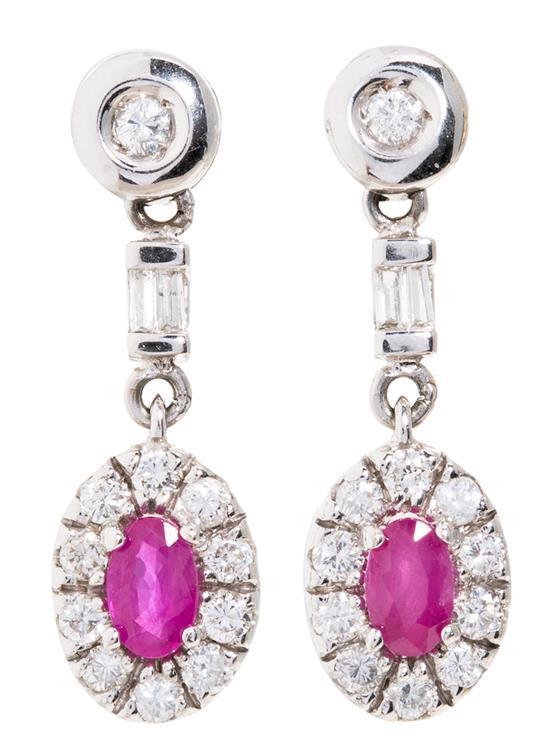 Pendientes colgantes de rubíes y diamantes