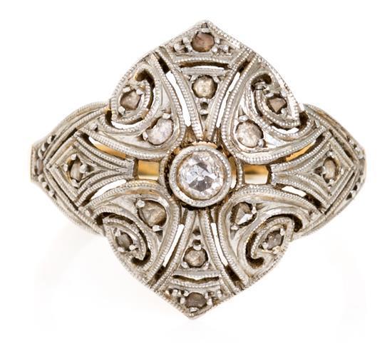 Pendientes y sortija Belle Époque de diamantes, hacia 1910