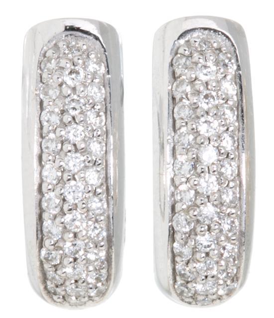 Pendientes de pavé de diamantes
