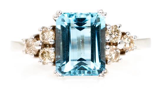 Sortija de topacio y diamantes
