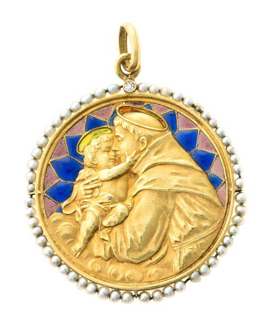 Medalla devocional en esmalte, de la primera mitad del siglo XX