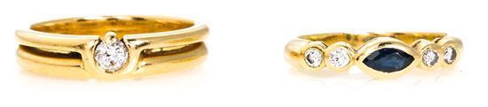 Dos sortijas en oro y pedrería