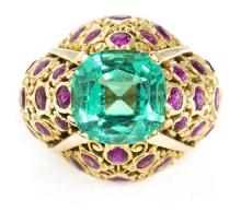 Cartier jewelry, ring with central emerald and rubies *