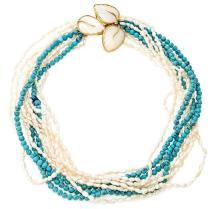 Collar de perlas y símil de turquesas