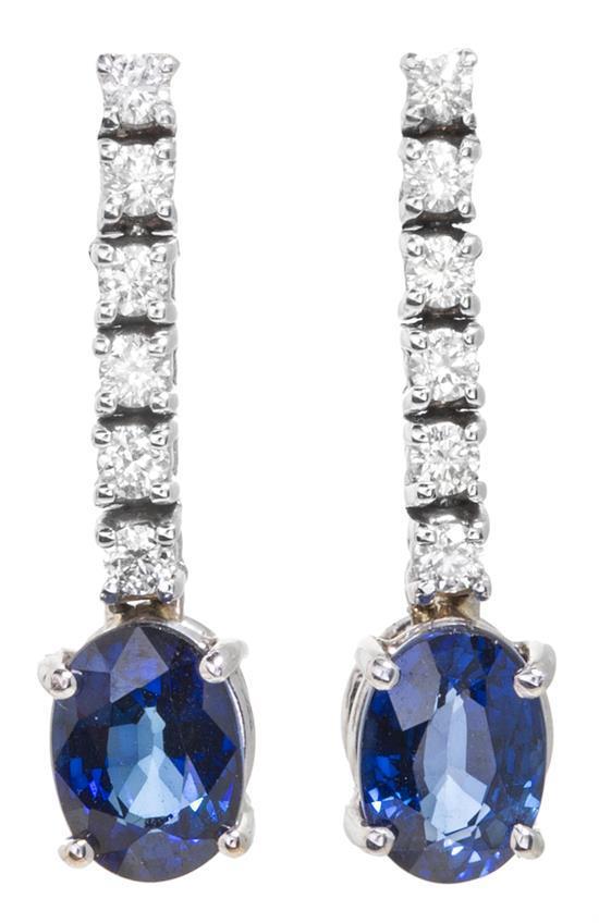 Pendientes largos de zafiros y diamantes