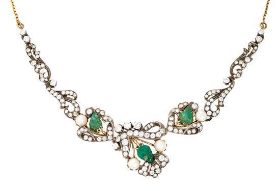 Gargantilla de perlas, esmeraldas y diamantes, hacia 1950