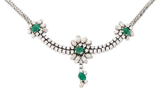 Gargantilla de esmeraldas y diamantes, de mediados del siglo XX