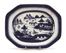 Chinese porcelain serving dish, East India Company, 18th Century
