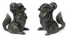 Escuela china del siglo XIX Perros de Fo Pareja de esculturas en bronce