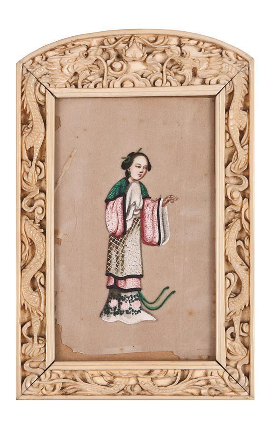 Marco chino en marfil tallado, de finales del siglo XIX