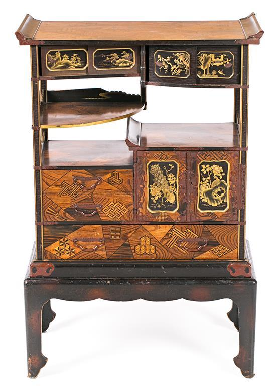 Japanese Meiji sideboard with inlay of fine wood and lacquered and gilded wood with mother-of-pearl applications, late 19th Century