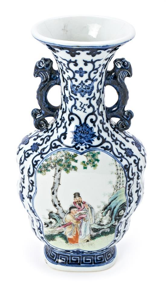 Chinese porcelain vase of the Republic, early decades of the 20th century