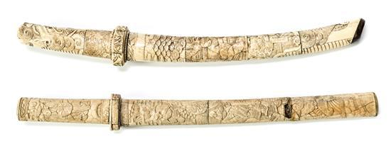Dos catanas japonesas en hueso, de principios del siglo XX