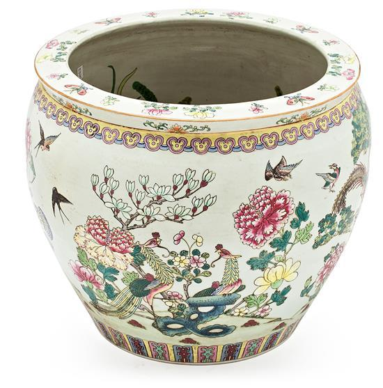 Large Chinese Canton porcelain jardinière, late 19th Century