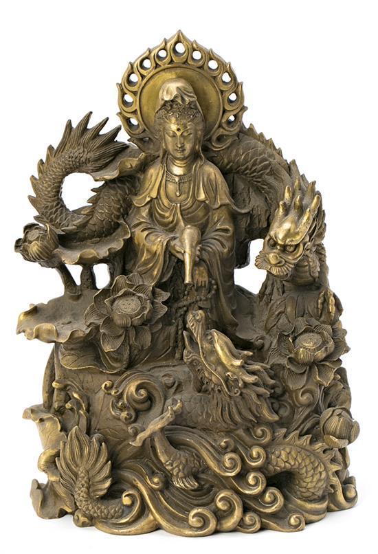 Escuela china del siglo XX Guanyin con dragón Grupo escultórico en bronce dorado