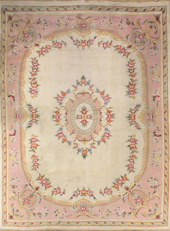 Spanish Louis XVI-style wool carpet, first third of the 20th century