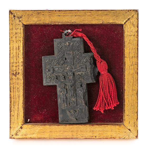 Crucifijo griego en carey tallado, del siglo XVIII