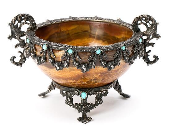 Atribuido a Peter Carl Fabergé San Petersburgo 1846 - Lausana 1920 Salero Ónix con montura en plata y cabujones de turquesa