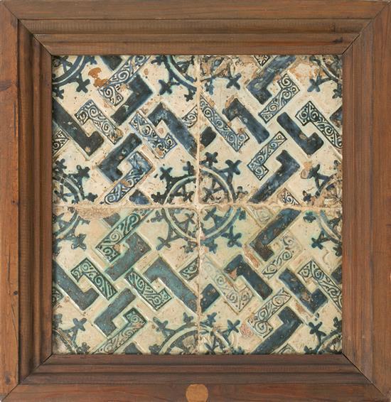 Juego de cuatro azulejos de Manises en loza, del siglo XV