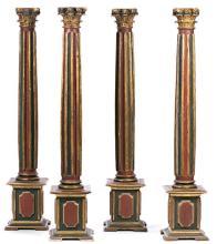 Escuela española del siglo XVII Juego de cuatro columnas corintias Madera tallada, dorada y policromada