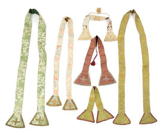 Seis estolas en seda adamascada, de los siglo XVII y XVIII