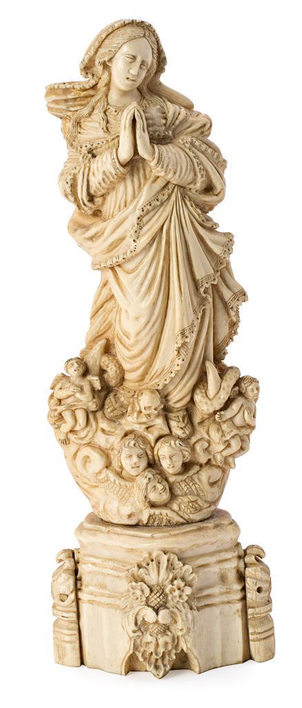 Escuela indo-portuguesa del siglo XVIII Inmaculada Escultura en marfil tallado