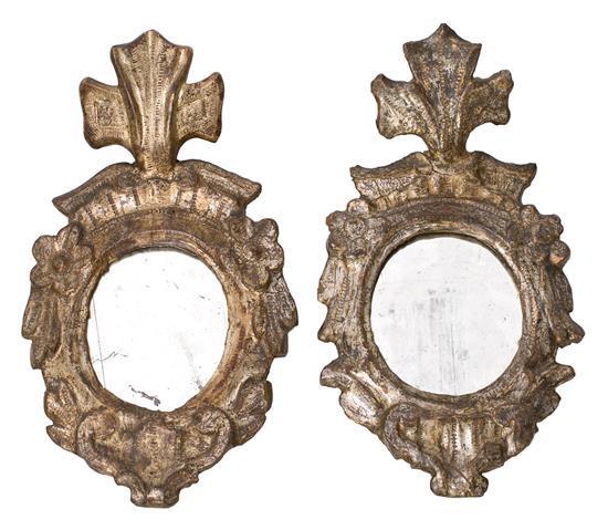Pareja de cornucopias Carlos III en madera tallada y dorada en corladura, hacia 1780