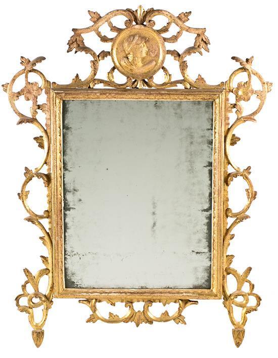 Espejo con marco Carlos III en madera tallada y dorada, hacia 1760-1775