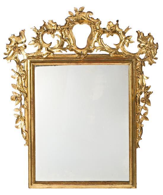 Espejo con marco Rococó en madera tallada y dorada, del tercer cuarto del siglo XVIII