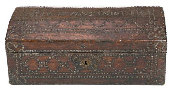 Spanish wood trunk covered in studded leather, late 18th-first third of the 19th Century