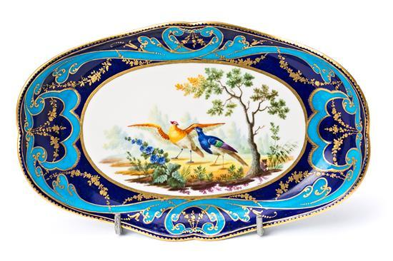 French serving dish in Sèvres porcelain, 18th Century